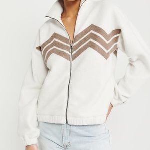 Abercrombie & Fitch Tops - NWT ABERCROMBIE AND FITCH SHERPA JACKET